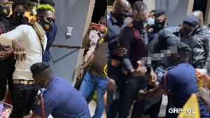 How Shatta Wale and Stonebwoy arrived at Asaase Radio for their battle